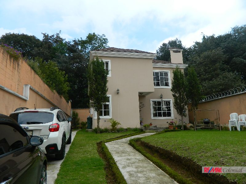 4921 BEAUTIFUL HOUSE FOR SALE IN SAN LUCAS SACATEPEQUEZ