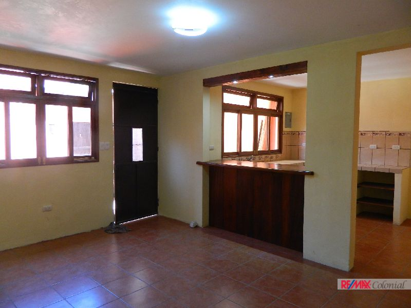 4939 NICE HOUSE FOR RENT UNFURNISHED, OUT OF GATED COMMUNITY IN ANTIGUA GUATEMALA