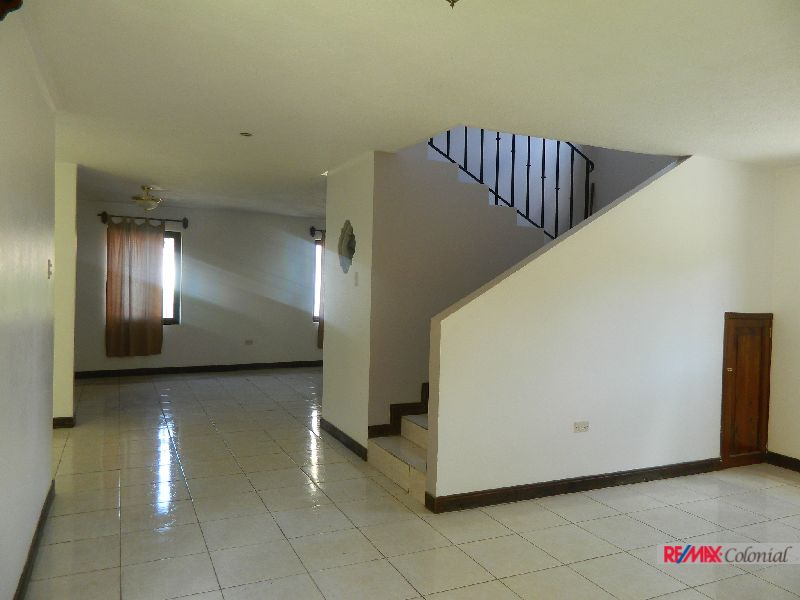 4949 NICE HOUSE FOR RENT, UNFURNISHED. / LAS CUPULAS, JOCOTENANGO, SACATEPEQUEZ