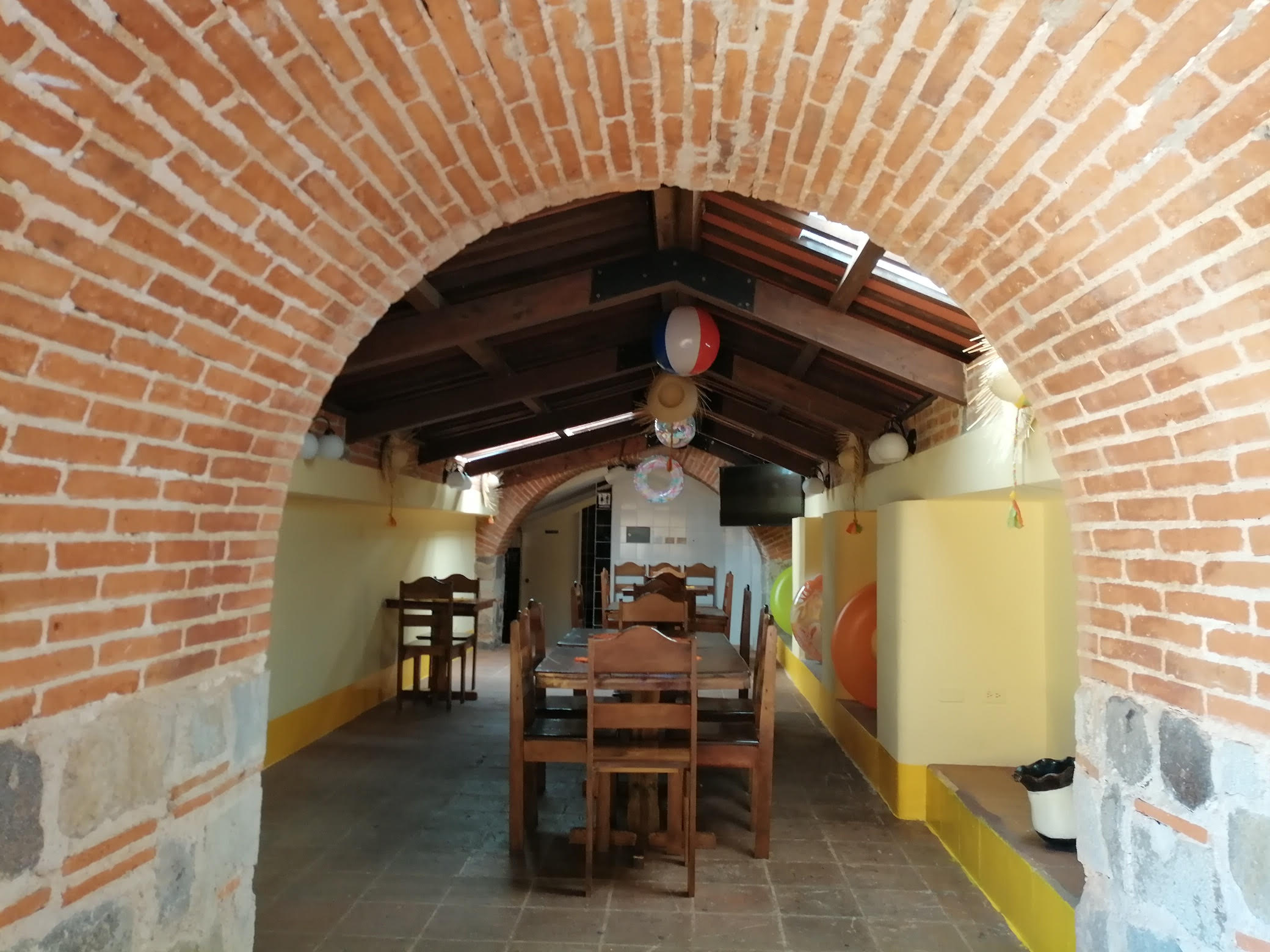 4929 COMMERCIAL LOCAL FOR RENT IN EXCELLENT LOCATION IN THE CENTER OF ANTIGUA
