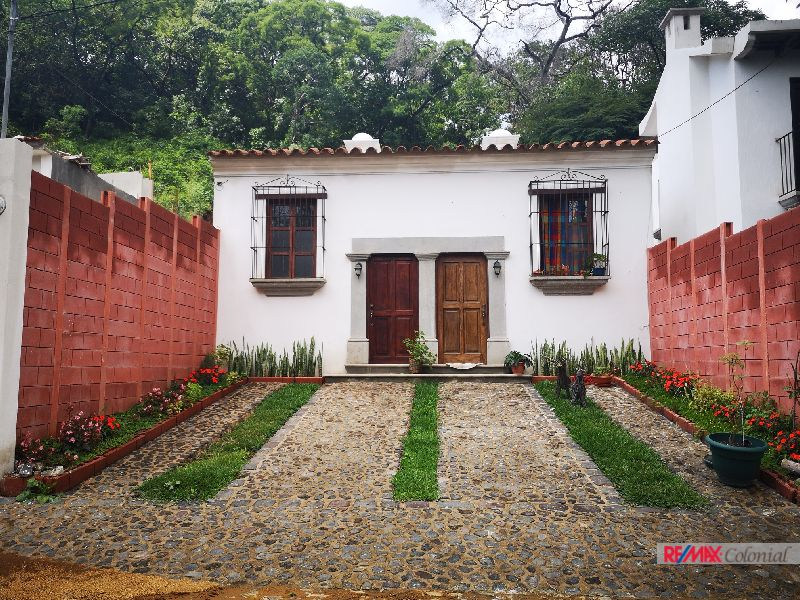 4978 NICE HOUSE FOR RENT IN PASTORES – ANTIGUA GUATEMALA