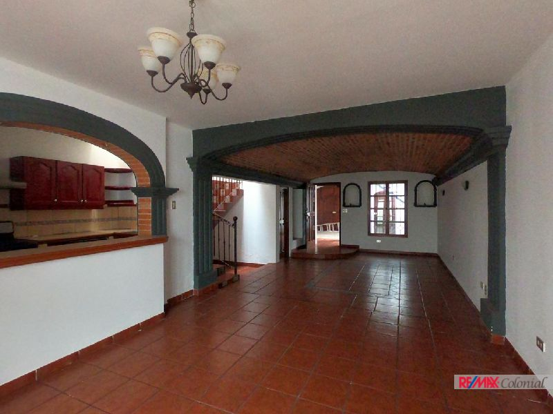 3827 HOUSE FOR RENT IN EL ESPIRITU SANTO (Unfurnished)