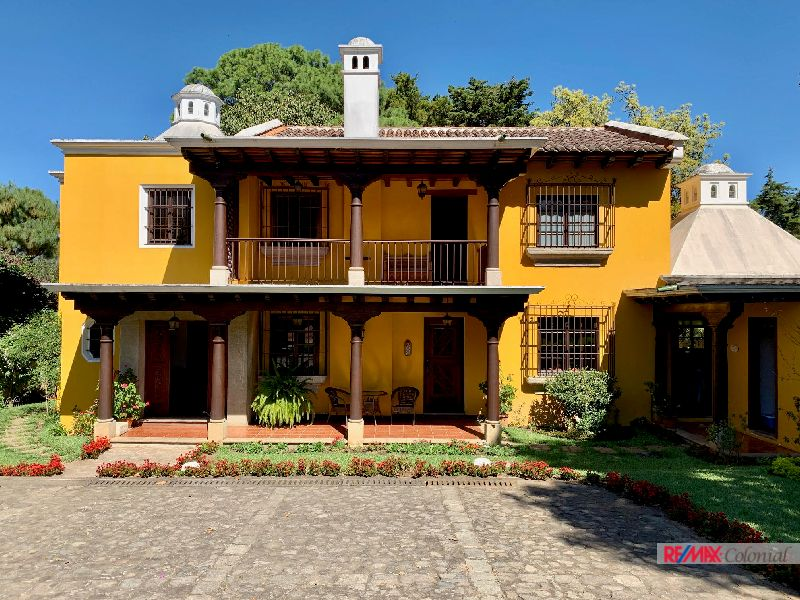 5023 SPECTACULAR HOUSE FOR SALE IN SAN PEDRO EL ALTO