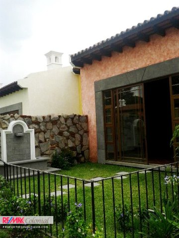 5075 HOME FOR RENT / EL MONASTERIO (Unfurnished)