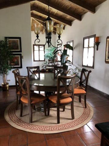 5077 AMAZING HOUSE FOR SALE / LOS NAZARENOS (Unfurnished)