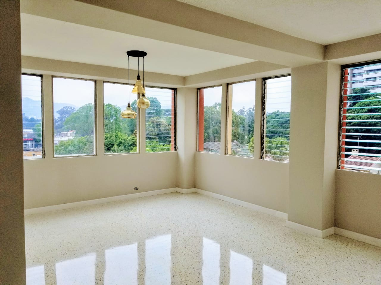 5095 NICE APARTMENT FOR SALE IN ZONA 10 GUATEMALA
