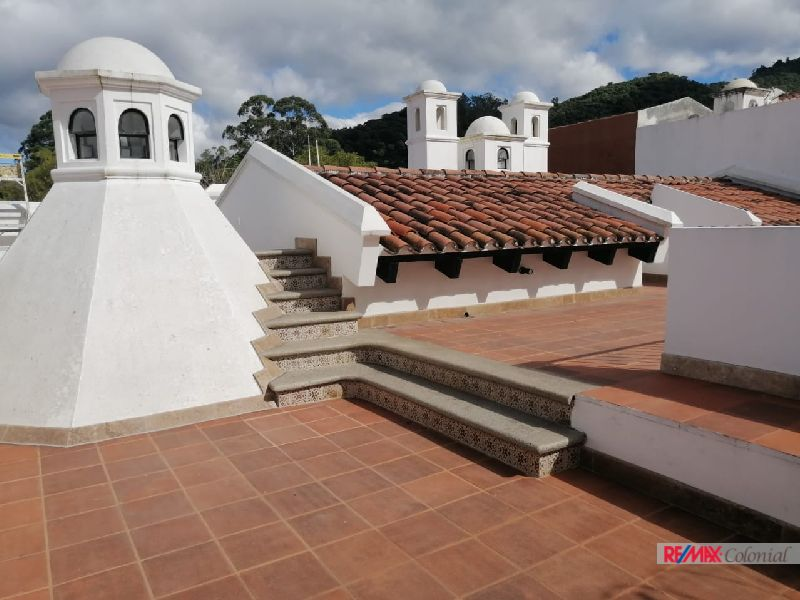 5103 NICE HOUSE FOR SALE IN THE SOUTH AREA OF ANTIGUA