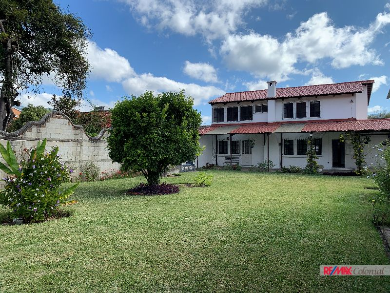 5123 GREAT HOUSE FOR RENT IN CENTER OF ANTIGUA GUATEMALA