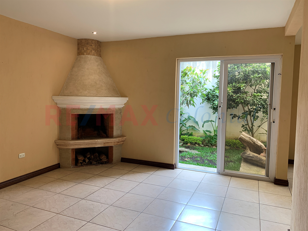 5141 BEAUTIFUL HOUSE FOR RENT UNFURNISHED IN SAN LUCAS SACATEPEQUEZ
