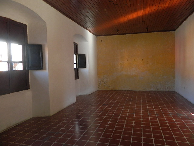 4073 COLONIAL STYLE HOUSE FOR SALE IN ANTIGUA / COMMERCIAL AREA