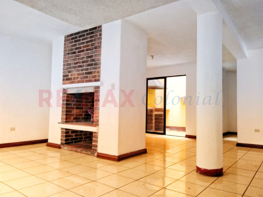 5192 NICE HOUSE UNFURNISHED IN THE CENTER OF SAN PEDRO LAS HUERTAS, SAC.
